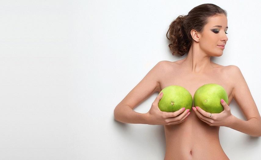Первый секс грудь комплекс